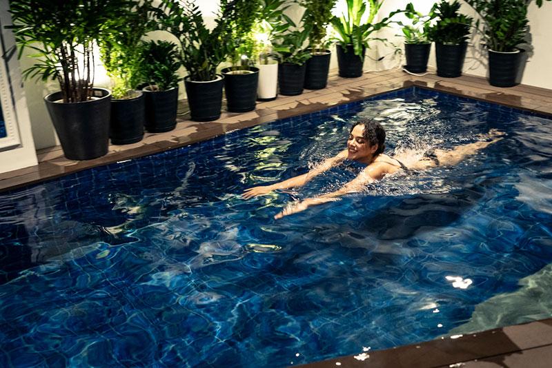 貸切巨大温水プール